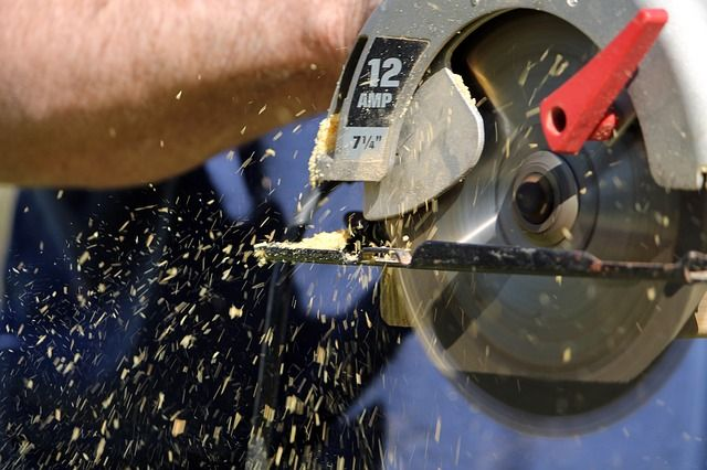 How to use a circular Saw | Tips and Tricks For The Users